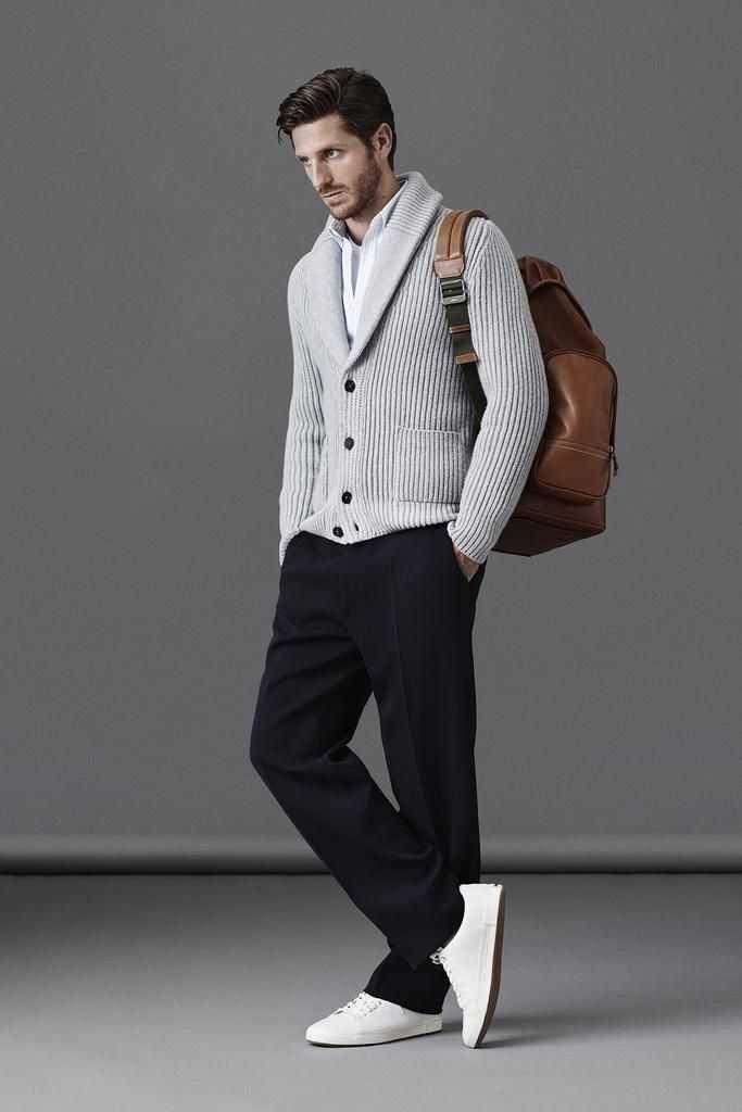 7 outfit kuliah bikin kamu jadi pria gaul kampus gotomalls