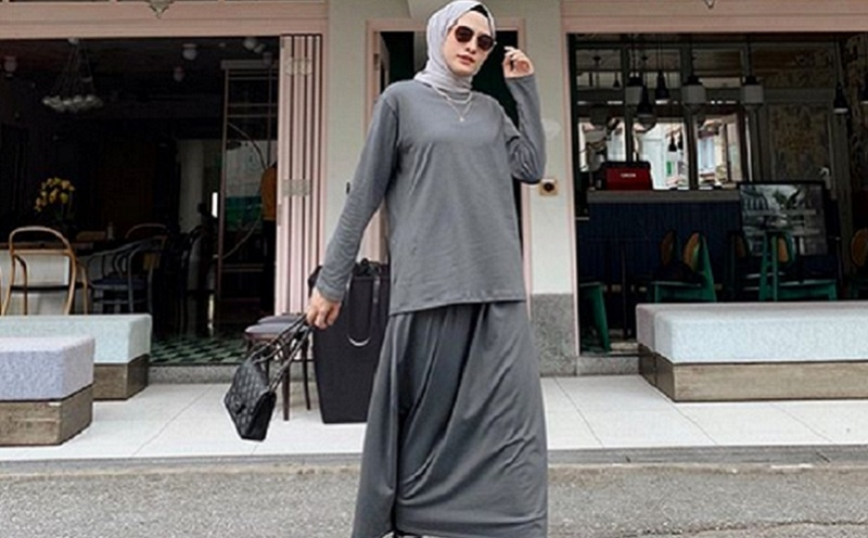 ini 5 gaya hijab monokrom yang tak pernah ketinggalan