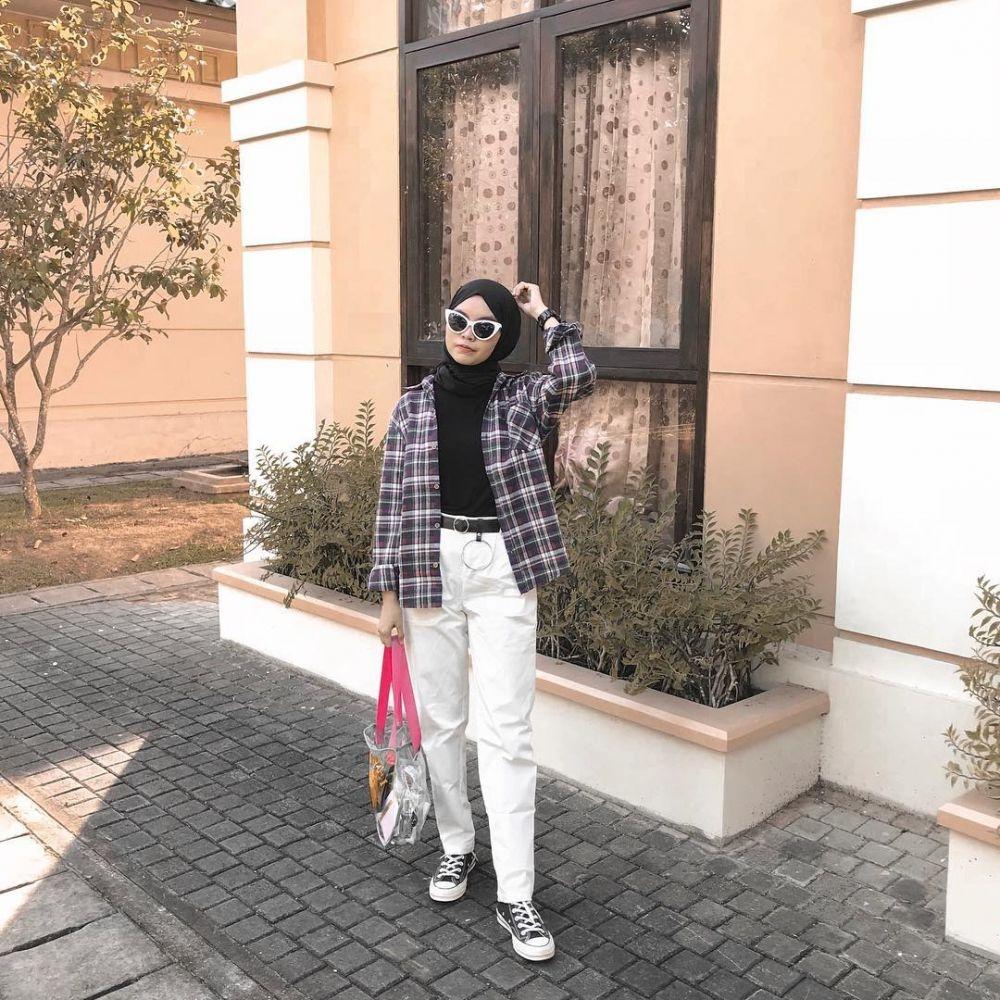inspirasi 11 gaya ootd kasual hijab buat liburan