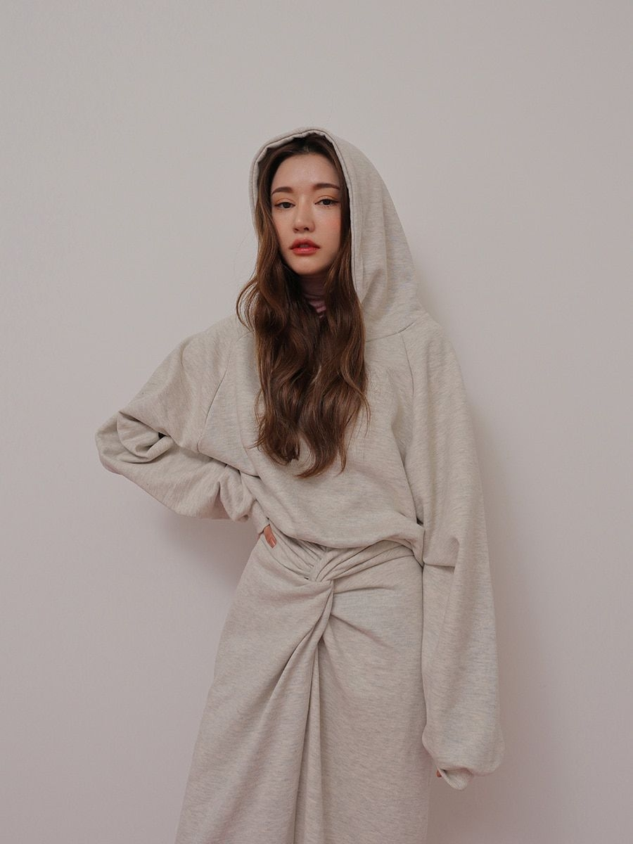loose hoodie and twist accent long skirt set stylenanda