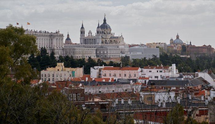 Вид на королевский дворец в Мадриде