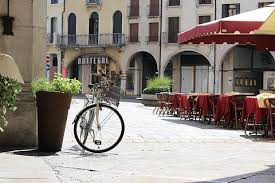 Bicicletta e monopattino