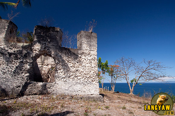A baluarte or watchtower guarding the coast of Santander overlooking Negros.