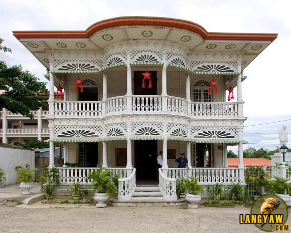 The Carcar Dispensary, is just one of the American period structure in this heritage town