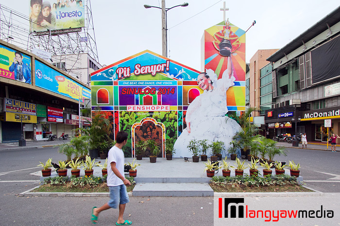 The Penshoppe Sinulog installation is usually the most anticipated in the city. This time, it's plain as before