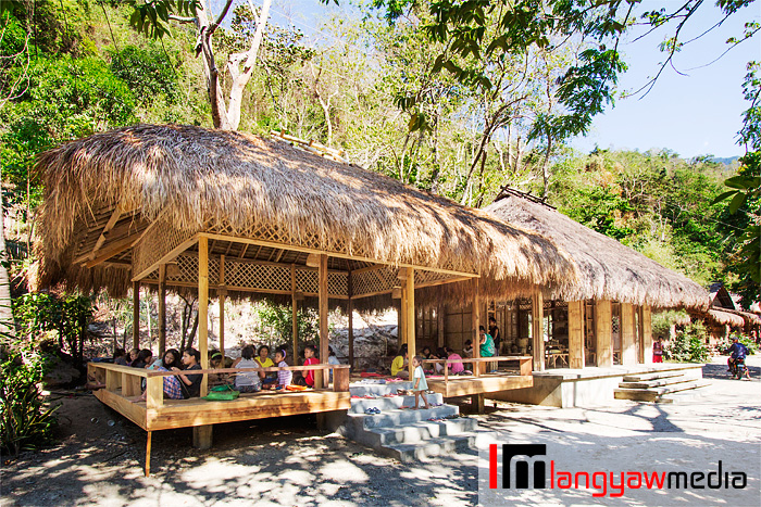The activity hut where the Iraya Mangyans weave their nito products