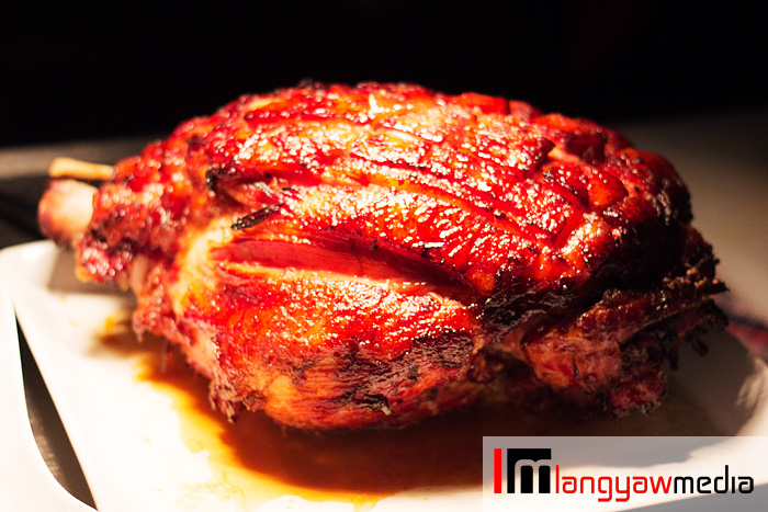 Glazed leg of ham