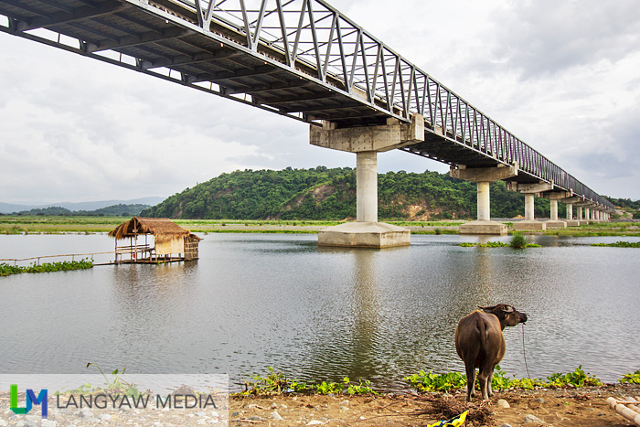 View of Calaba Bridge from the banks of the Abra River