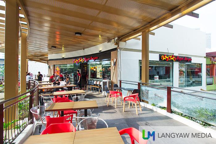 Teddy's Bigger Burger's GB3 restaurant's exterior