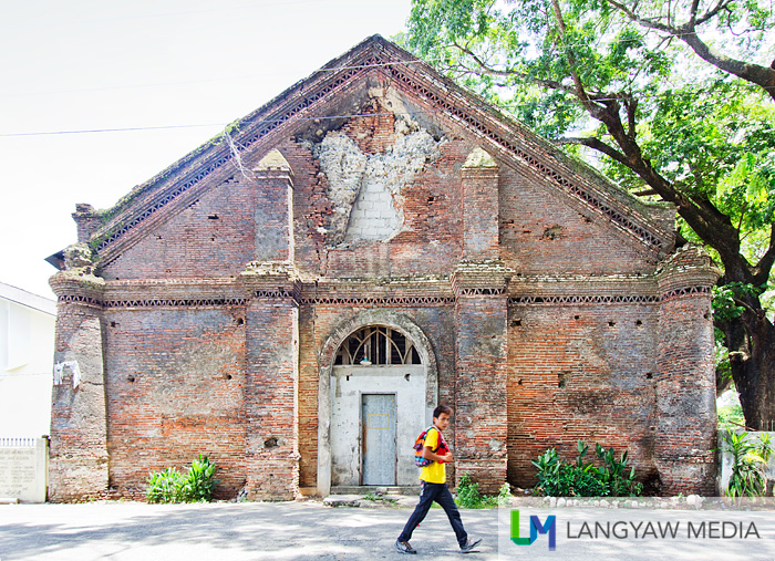 The abandoned brick church of Pidigan is stunning for its details and texture