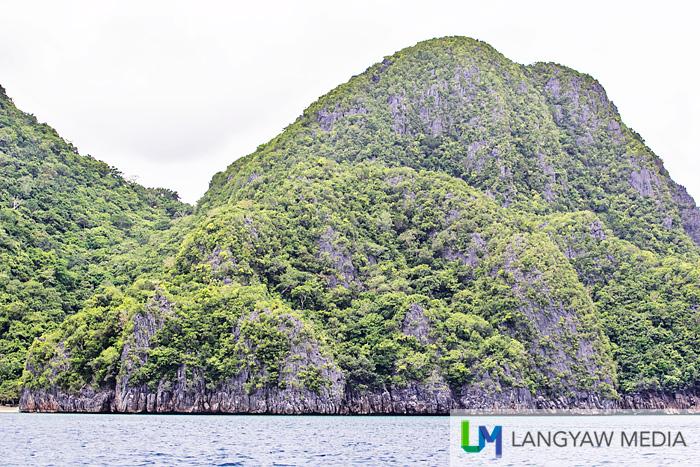 Beautiful rock formations dot the Caramoan Peninsula