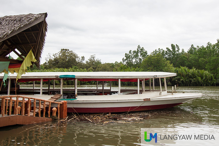By the banks of the Liboran River, Inato Lang Restaurant is a popular stop for guests doing the river cruise