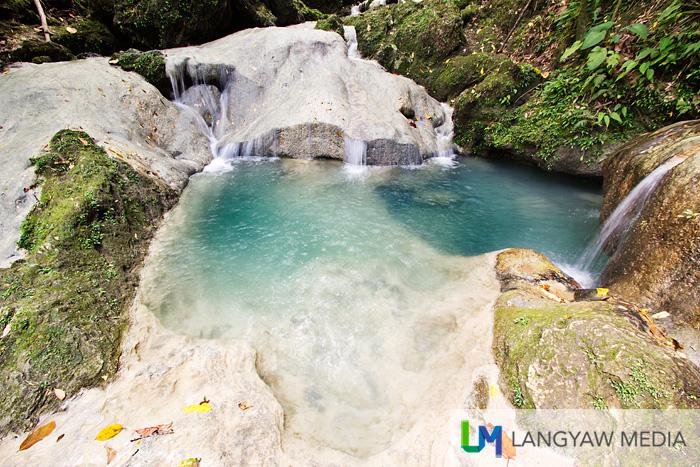 Cool and refreshing water basins as natural pools