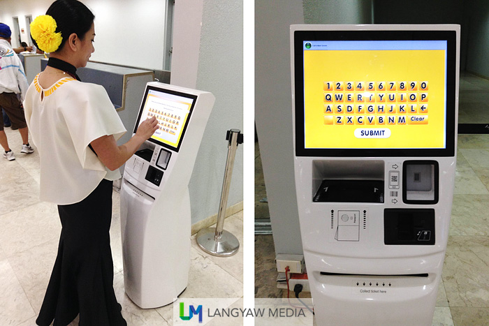 It's touch screen with easy to follow directions