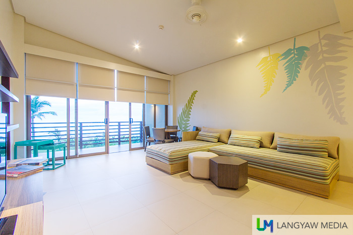 Living area of the Seaside Family Suite
