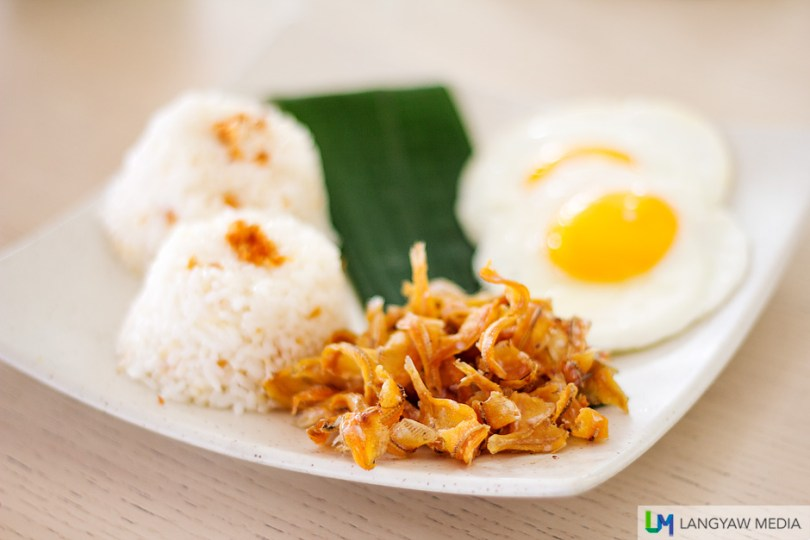 Crisp and fried binuklad na dilis for breakfast
