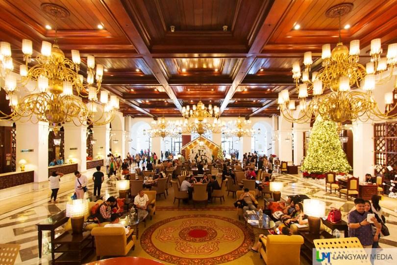 The stunning grand lobby of Manila Hotel