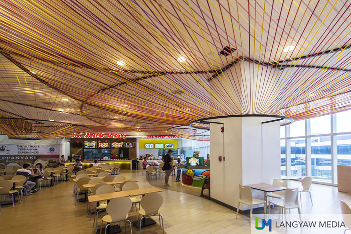 The foodcourt with its ceiling style