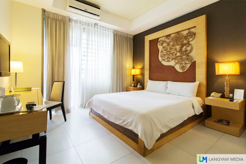 The Premium Deluxe Room with balcony is the only one in the hotel where you can lounge at the balcony. It has views of Ayala Center mall infront of it