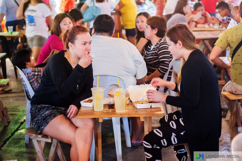 Guests enjoying dinner at the new weekend night market