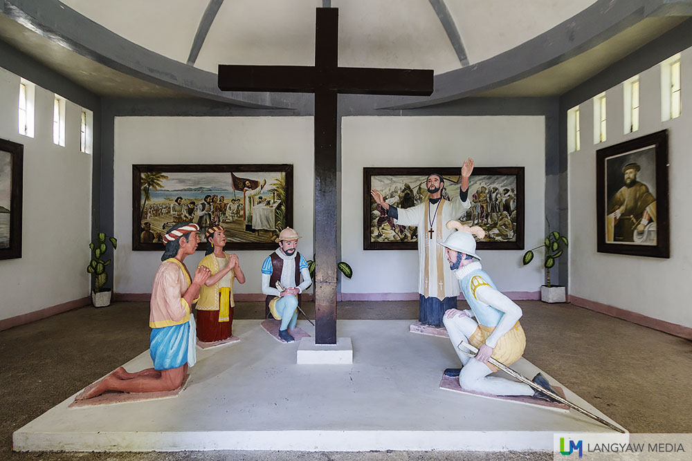 Inside the building that shows through paintings and these sculptures the landing and the first mass celebrated on Philippine soil