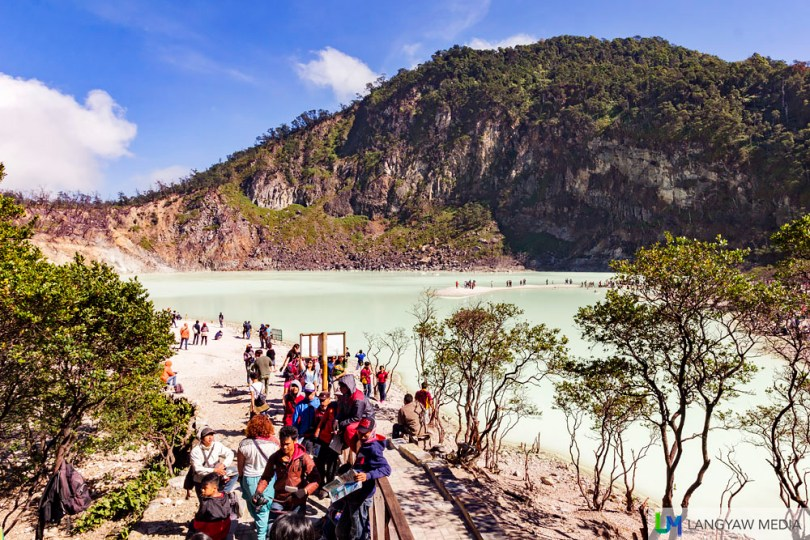Kawaha Putih is a popular volcanic crater lake that is very much accessible to visitors