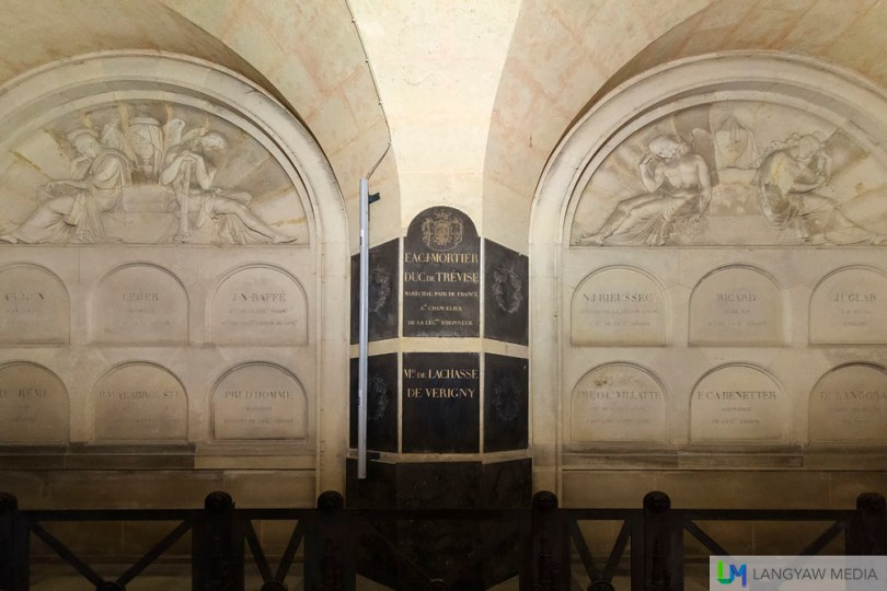 Other than Napoleon Bonaparte, there are other officers and his other family members who are buried inside the Domes des Invalides. Some are buried only with their hearts.