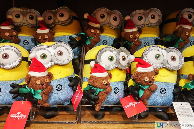 Cute The Minions merchandise in different sizes and shapes