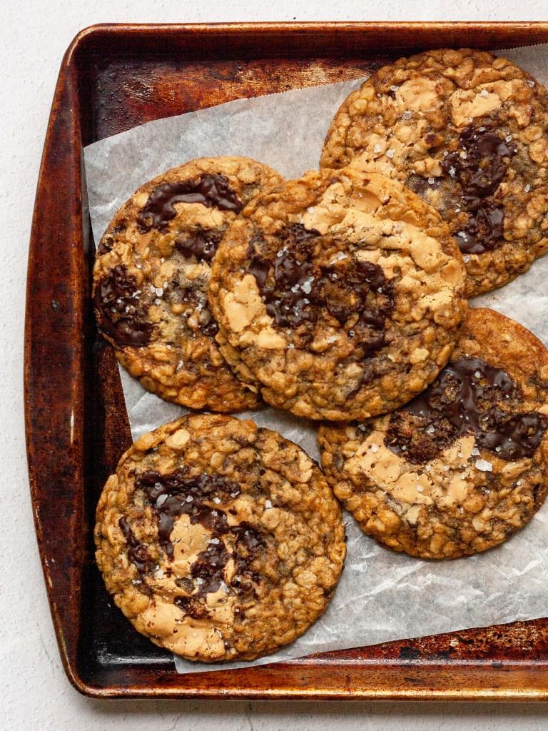 pan of malted mocha banana oat cookies