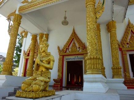 Ubon Ratchathani temple tour
