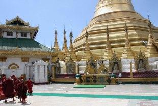 Monks at Kyaik Tan Lan