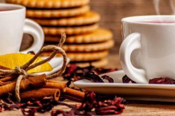 Chá de hibisco canela