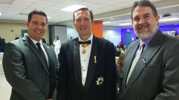 Edel Lemus, Director de Planificación de Albizu University, el conde Otto F Von Feigenblatt y el empresario Angel Navarro.
