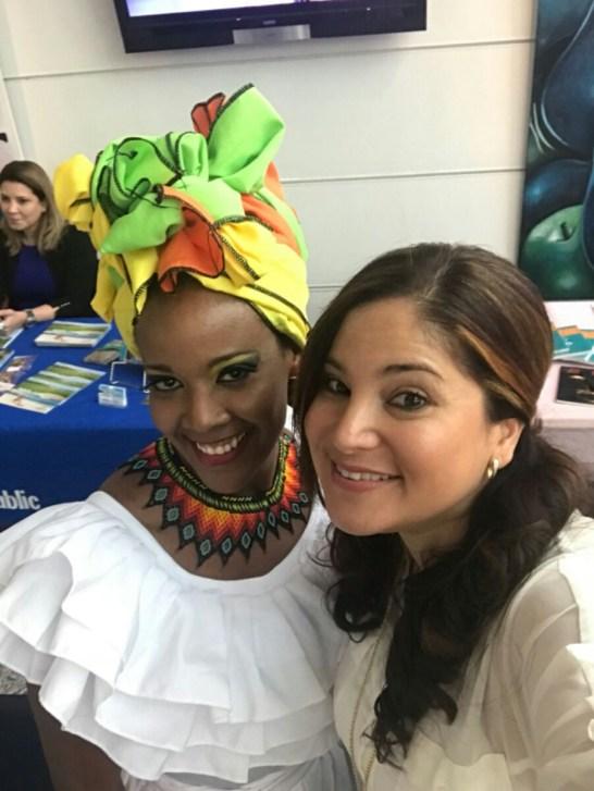 Rosana Cantillo, directora de Ventas y Publicidad de La Nota Latina y coordinadora del evento junto a Kelly Mendoza.