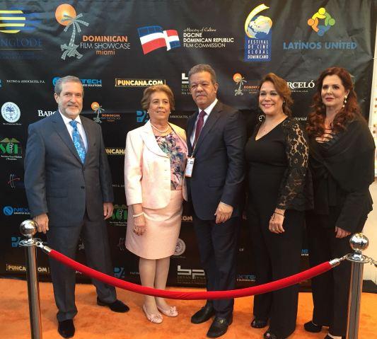 El ex presidente Leonel Fernandez asistió a la muestra