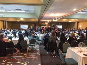 Más de 300 personas asistieron a la Gala.