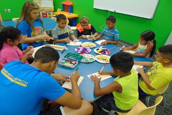 Campamento de verano para niños latinos en el Centro para Familias Hispanas