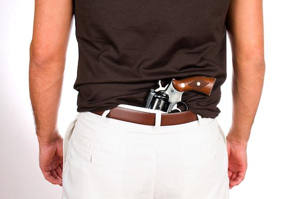 Pasa al Senado proyecto que permite portar armas ocultas