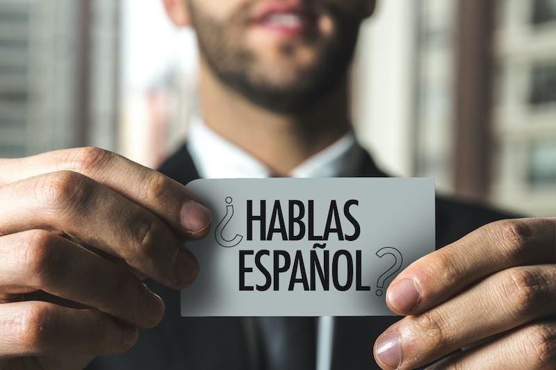 ¿Deberían los latinos sentir temor de hablar español en público en Estados Unidos?