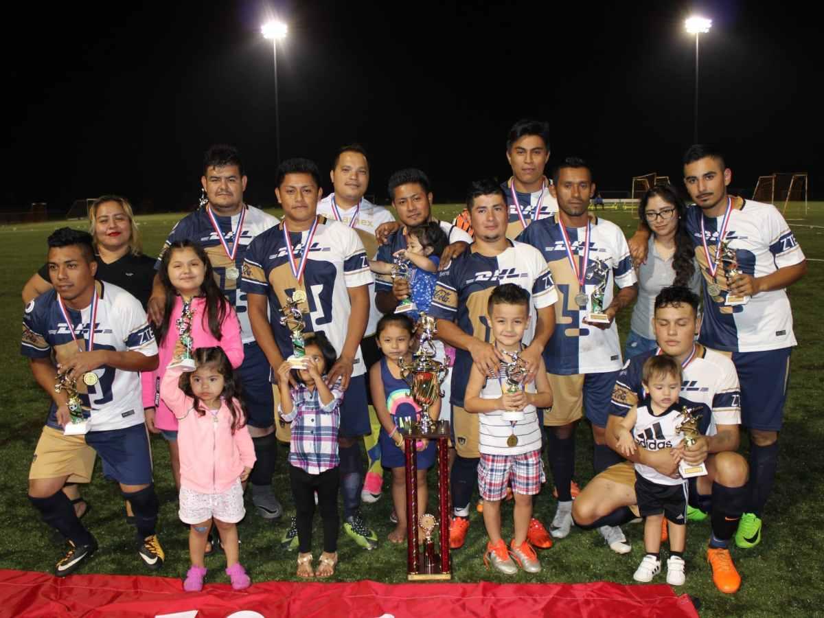 Foto del equipo campeón: Real Carolinas.