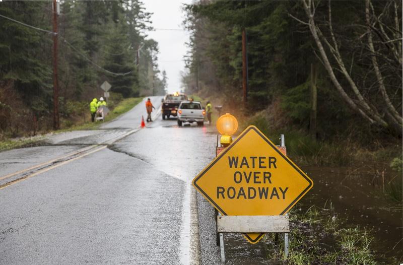 Abundantes lluvias se sintieron durante el fin de semana y las autoridades advierten que aún existe riesgo de inundaciones a lo largo de la semana.