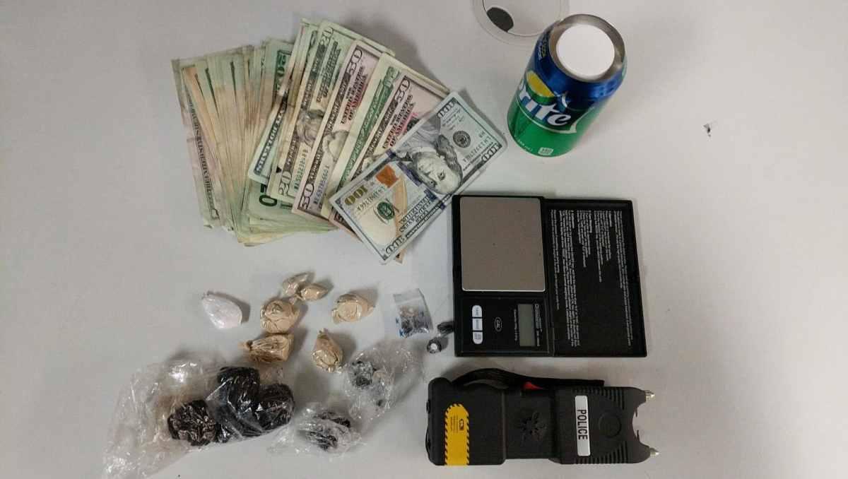 Foto de drogas y dinero