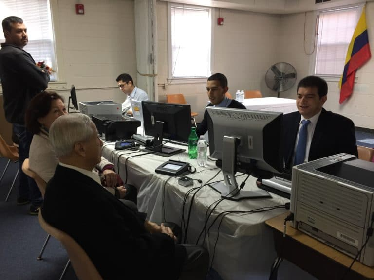 Consulado Móvil de Colombia visita Charlotte
