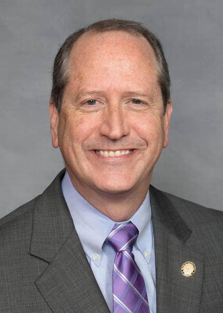 Republicano Dan Bishop enfrentará a demócrata Dan McCready por 9no distrito