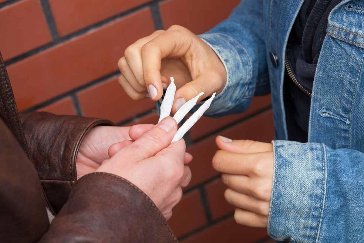 Cómo evitar el uso y abuso de drogas en los hijos