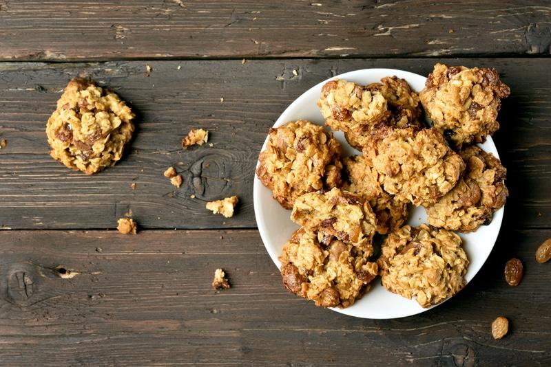 Saludables galletas de avena, banana y chocolate