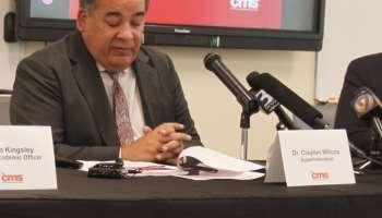 Renuncia Superintendente del Sistema Escolar de Charlotte-Mecklenburg