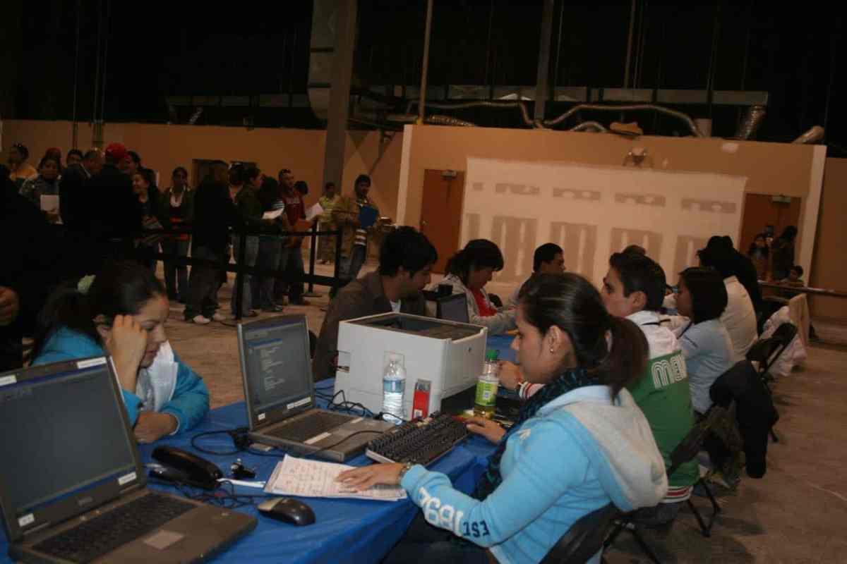 Consulado Sobre Ruedas de México llega a varios puntos de las montañas