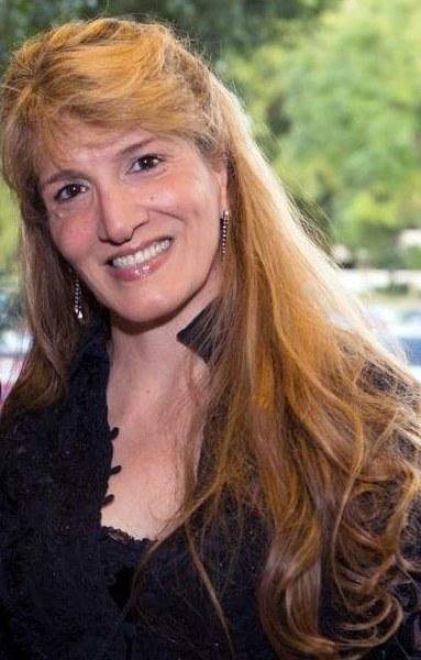 Persona de Servicio a la Comunidad del Año: Rosalie Bocelli-Hernández