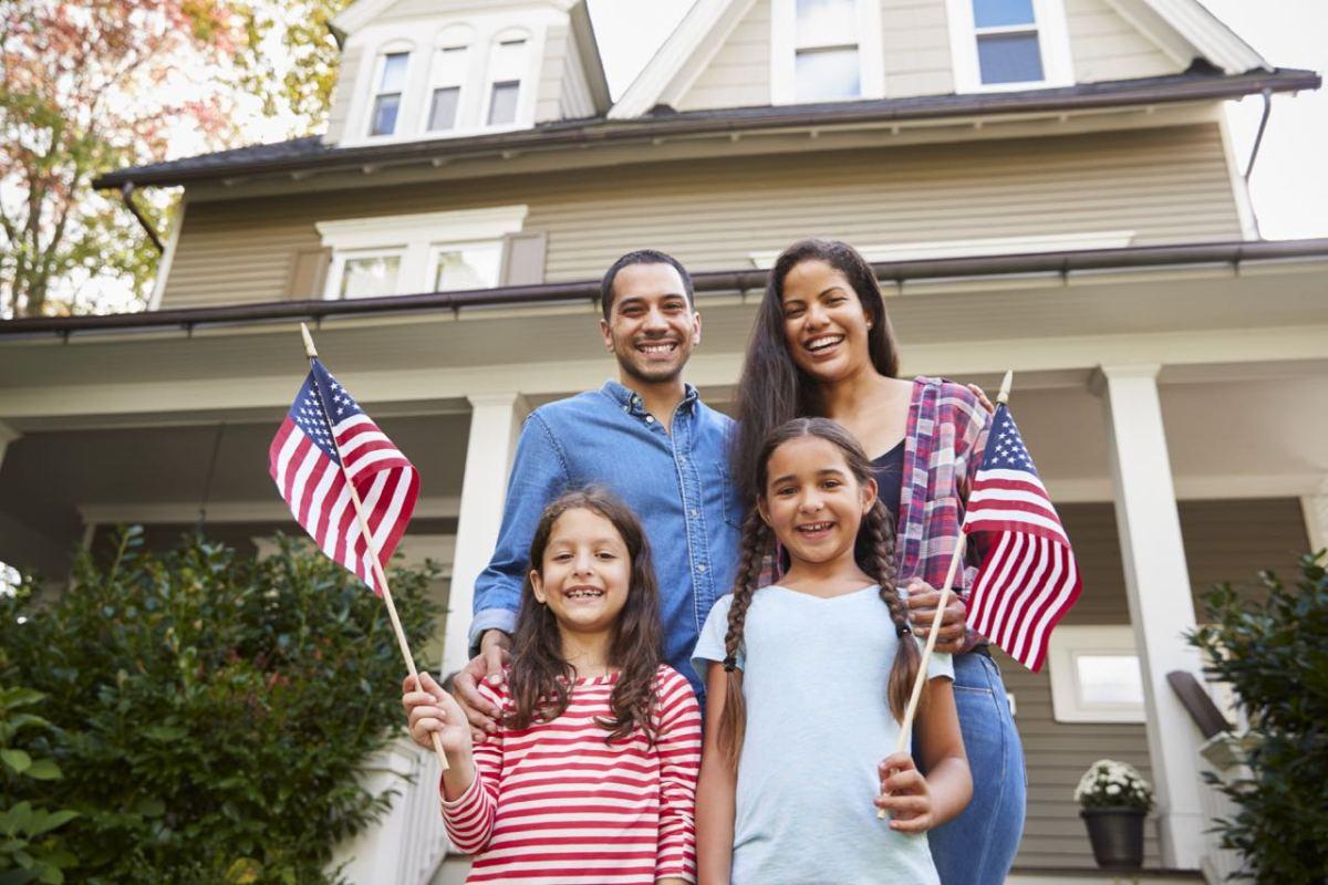 Más de 145,000 inmigrantes podrían ser ciudadanos estadounidenses en Carolina del Norte